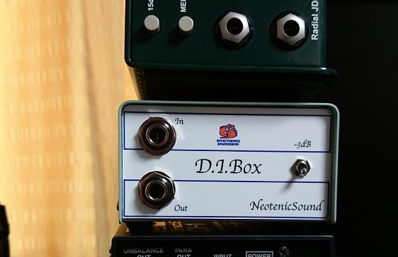 NeotenicSound D.I.Box です。 最近は相当な種類のD.I.が製造されていますが、 パッシブ式のD.I.は、それほど多くはありません。 これは、その少数派のパッシブ式